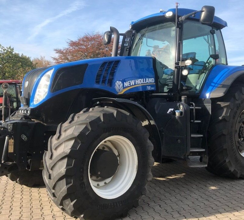 Трактор New Holland T8.390